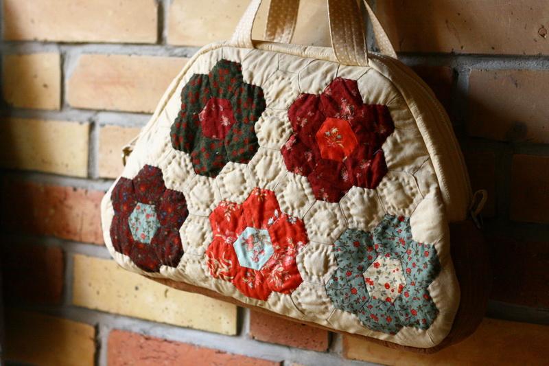 Nagymama virágoskertje -női táska