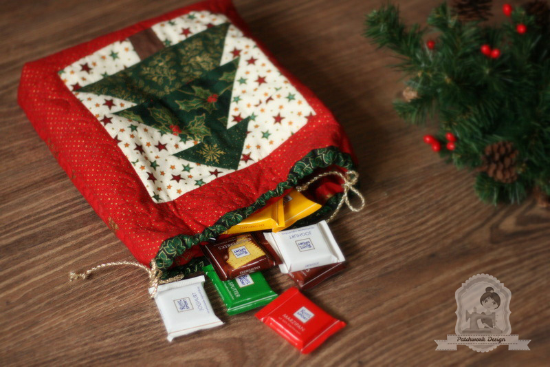Patchwork karácsonyi tasak – fenyőfával
